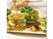 Towers with Goat Cheese with walnuts and kiwi